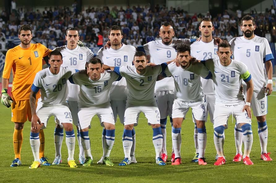 Greece-13-NIKE-home-kit-white-white-white-line-up.jpg