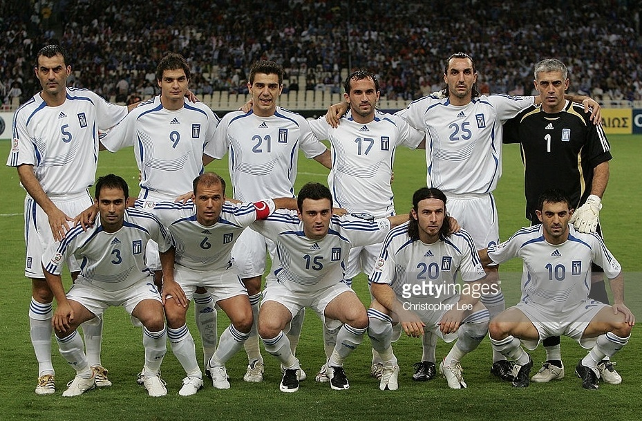 Greece-2006-07-adidas-home-kit-white-white-white-line-up.jpg