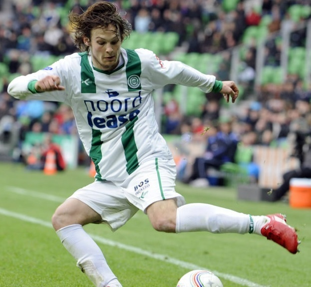 Groningen-2010-11-Klupp-home-kit-Daley-Blind.jpg