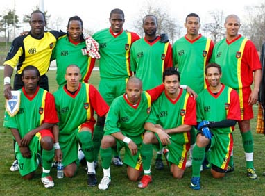 Guadeloupe-08-unknown-green-green-green-line-up.JPG