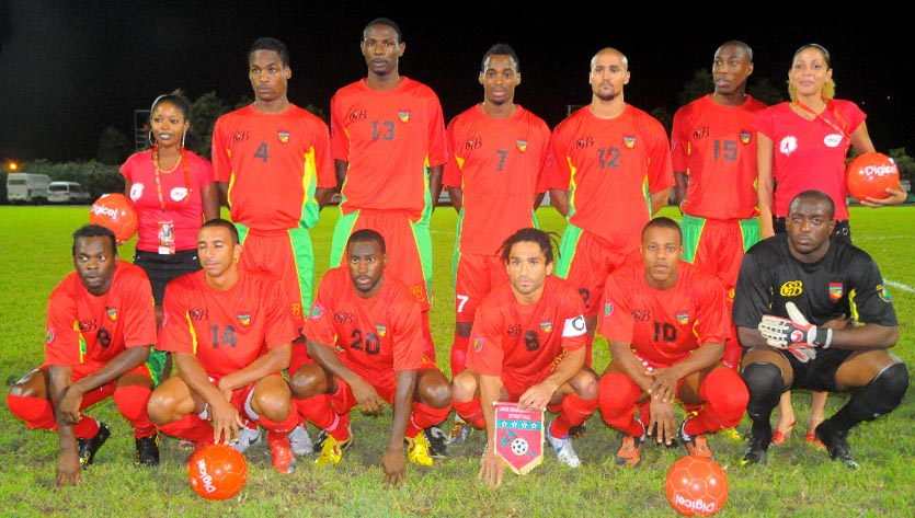 Guadeloupe-10-Gwada boyz-home-kit-red-red-red-line up.JPG