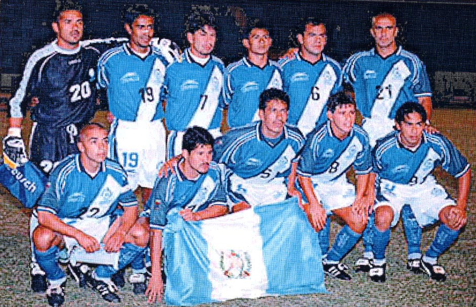 Guatemala-00-01-atletica-away-kit-blue-white-blue-pose.JPG