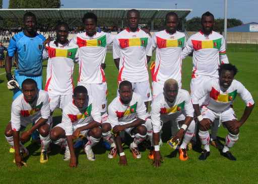 Guinea-10-11-AIRNESS-away-kit-white-white-white-white-pose.jpg