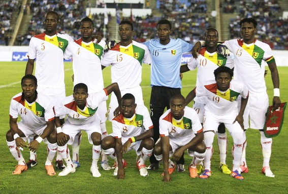Guinea-12-AIRNESS-away-kit-white-white-white-line-up.jpg