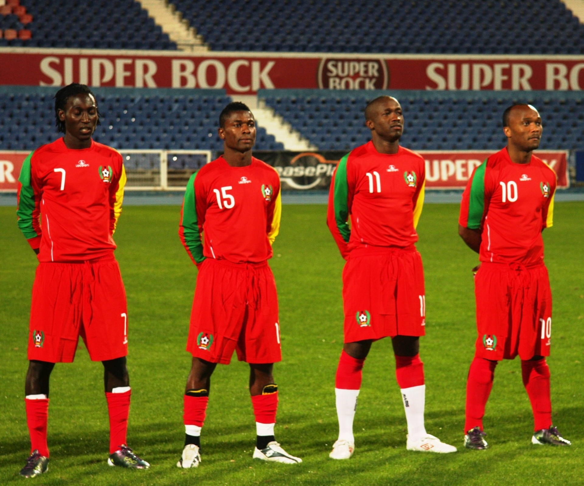Guinea-Bissau-2011-LACATONI-home-kit-red-red-red-line-up.jpg