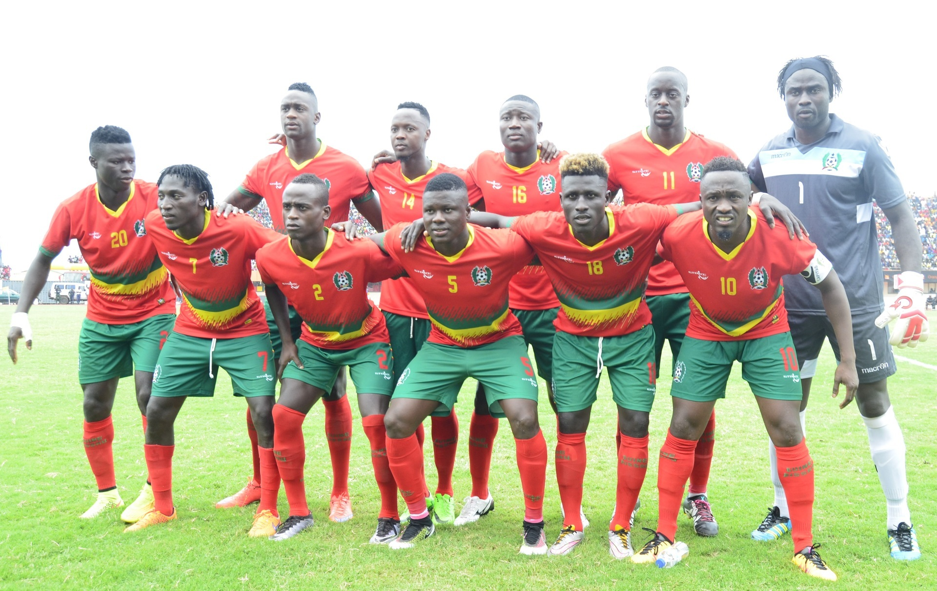 Guinea-Bissau-2016-home-kit-red-green-red-line-up.jpg
