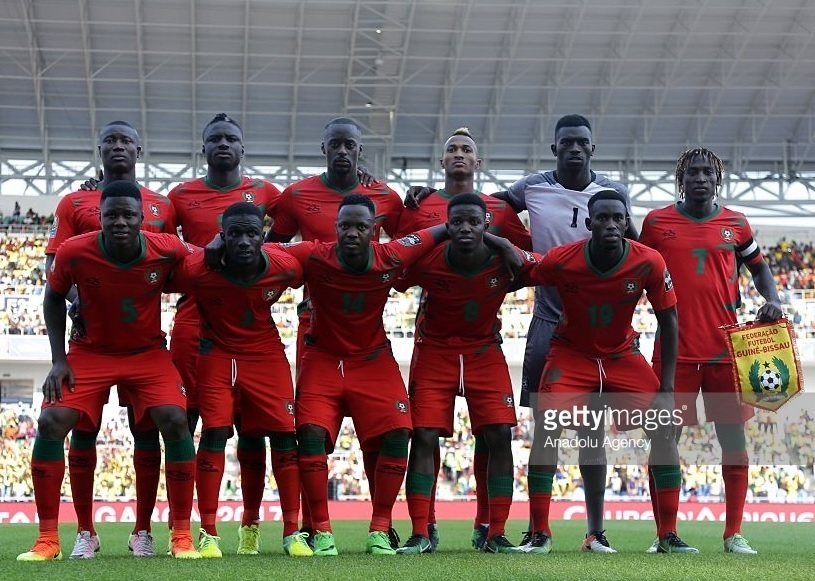 Guinea-Bissau-2017-QELEMES-home-kit-red-red-red-line-up.jpg