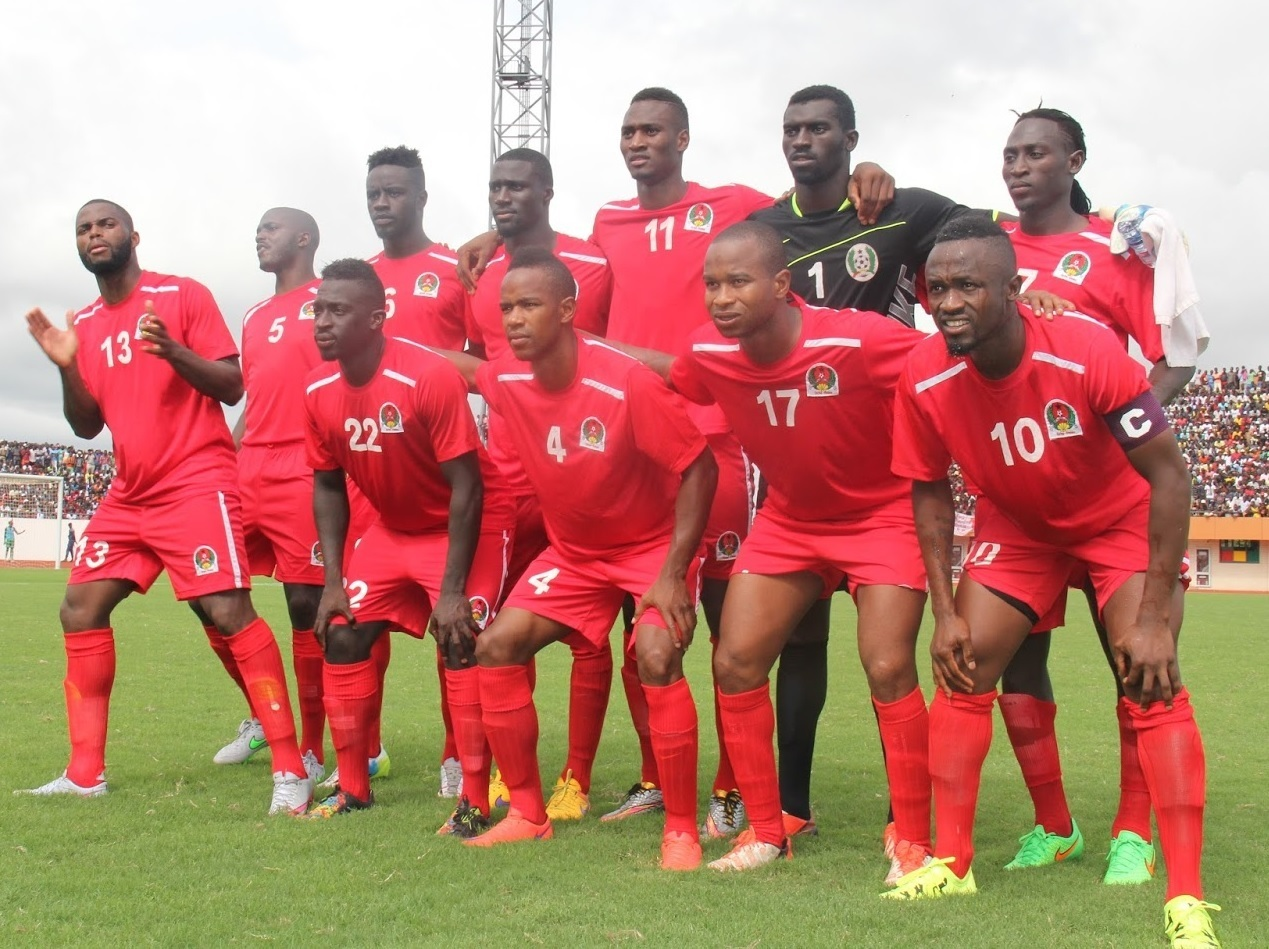Guinea-Bissau-home-kit-red-red-red-line-up.jpg