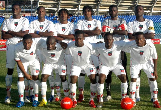 Haiti-07-FinTA-away-kit-white-white-white-line up.JPG