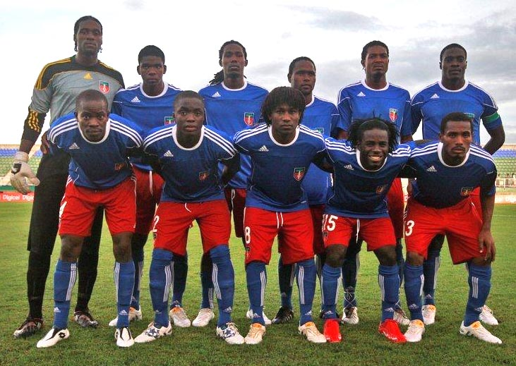 Haiti-10-adidas-home-kit-blue-red-blue-line up.JPG