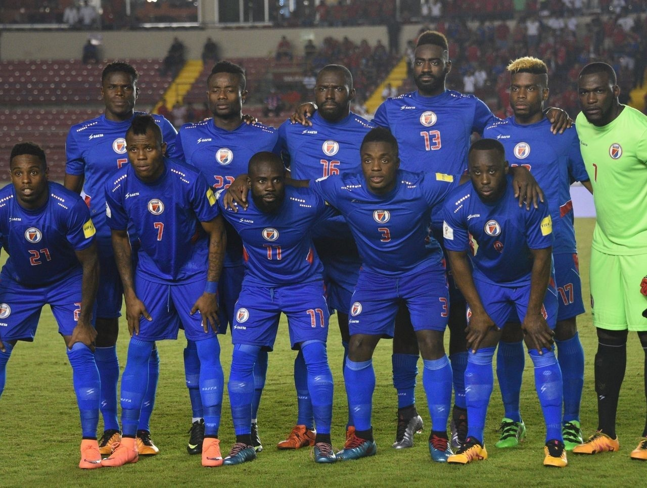 Haiti-2013-14-SAETA-home-kit-blue-blue-blue-line-up.jpg