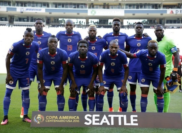 Haiti-2016-SAETA-home-kit-blue-blue-blue-line-up.jpg
