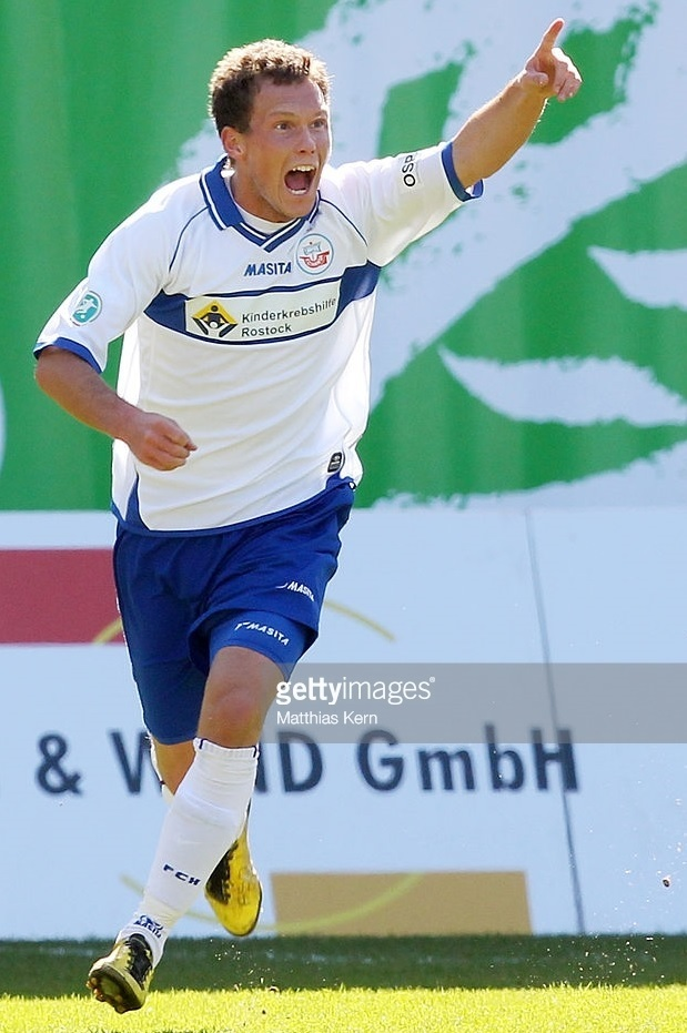 Hansa-Rostock-2010-11-MASITA-second-kit.jpg
