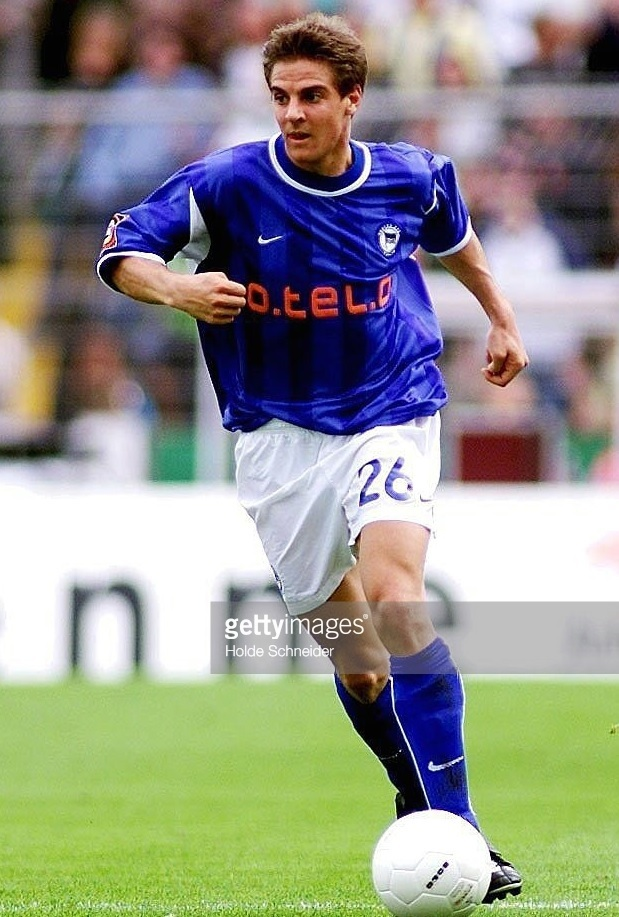 Hertha-Berlin-00-01-NIKE-home-kit-Sebastian-Deisler.jpg