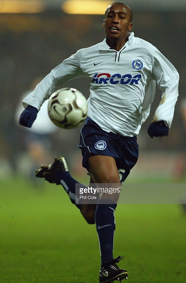 Hertha-Berlin-02-03-NIKE-away-kit.jpg