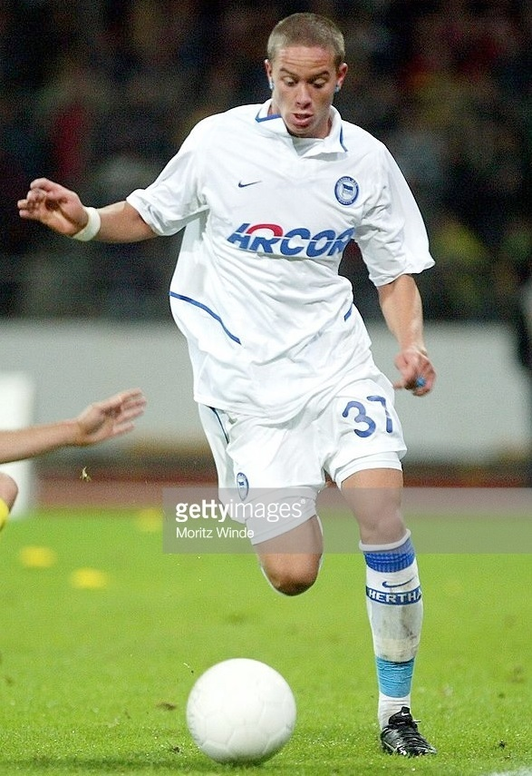 Hertha-Berlin-04-05-NIKE-away-kit.jpg