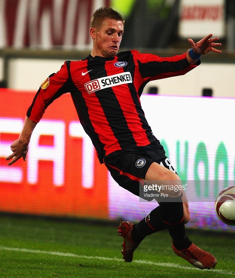 Hertha-Berlin-09-10-NIKE-DB-SCHENKER-away-kit.jpg