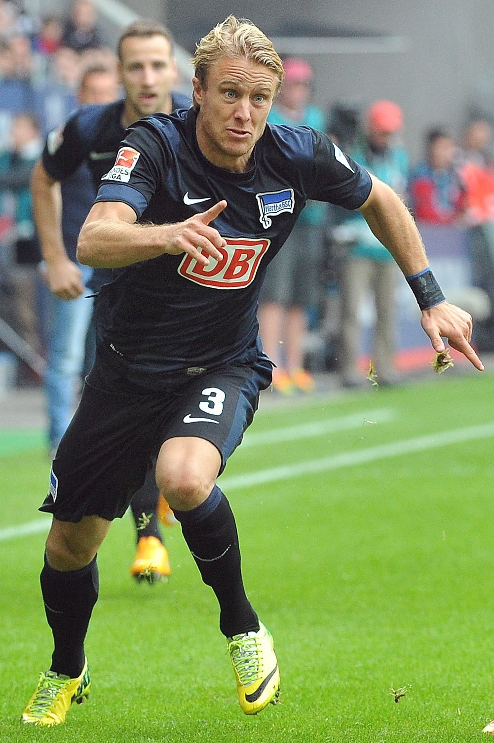 Hertha-Berlin-14-15-NIKE-away-kit.jpg
