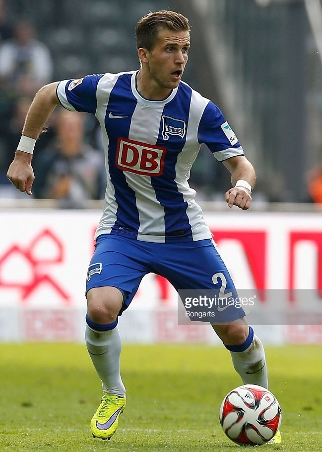 Hertha-Berlin-14-15-NIKE-home-kit.jpg
