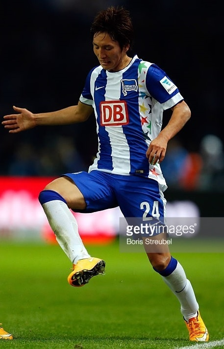 Hertha-Berlin-14-15-NIKE-home-star-kit.jpg