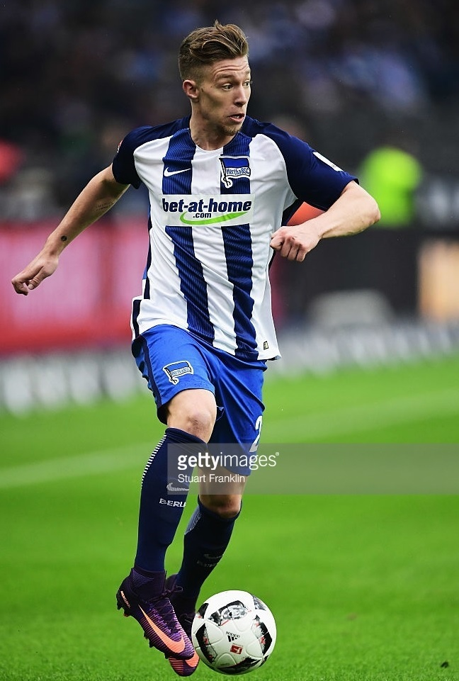 Hertha-Berlin-2016-17-NIKE-home-kit.jpg