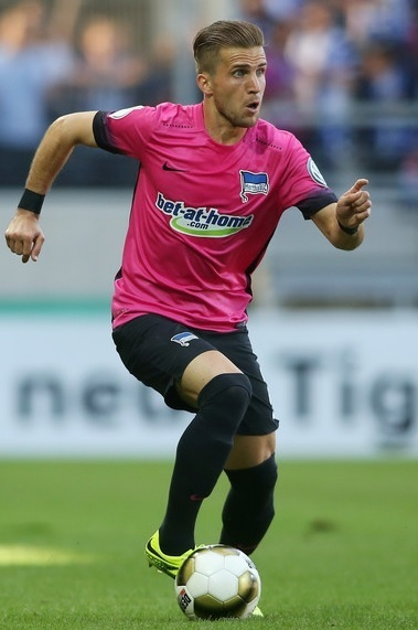 Hertha-Berlin-2016-17-NIKE-third-kit.jpg