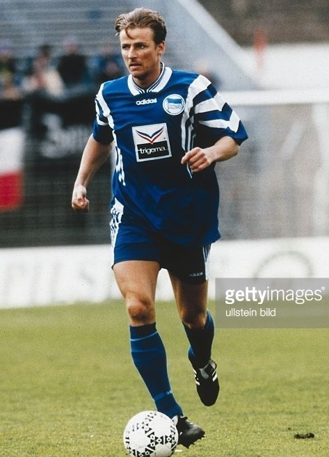 Hertha-Berlin-96-97-adidas-home-kit.jpg
