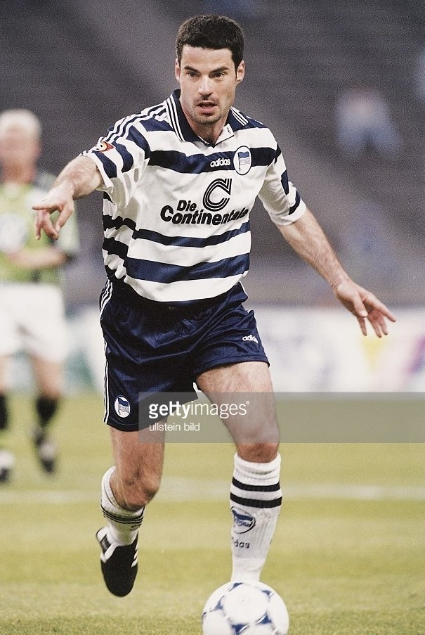 Hertha-Berlin-98-99-adidas-home-kit.jpg