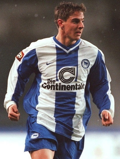 Hertha-Berlin-99-00-NIKE-home-kit-Sebastian-Deisler.jpg