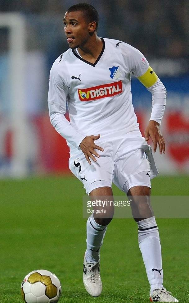 Hoffenheim-08-09-PUMA-away-kit-Marvin-Compper.jpg