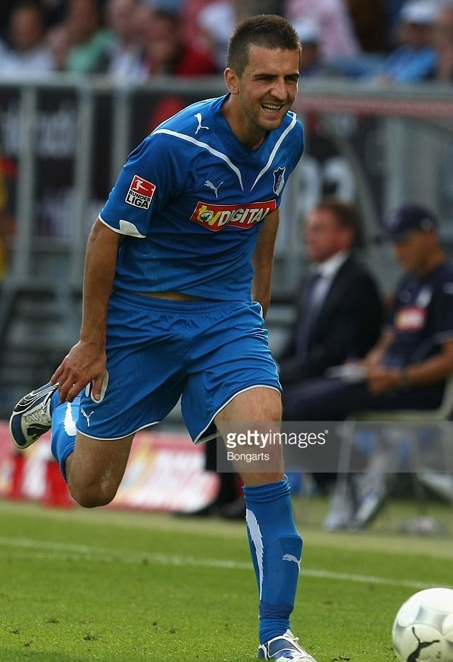 Hoffenheim-09-10-PUMA-home-kit-Vedad-Ibisevic.jpg