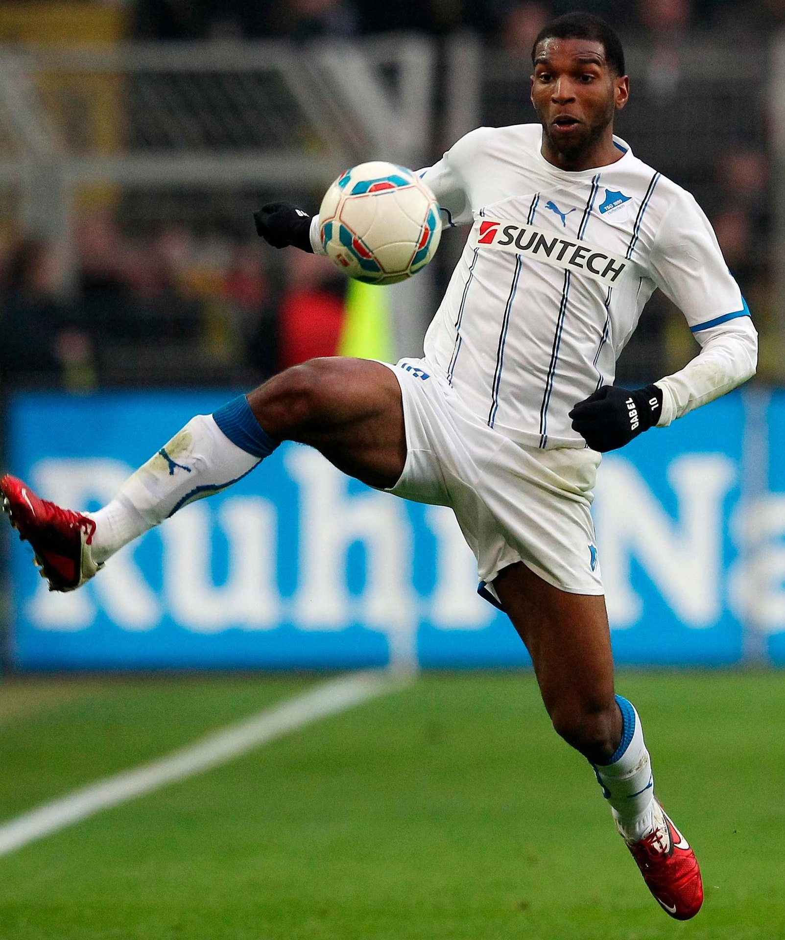Hoffenheim-11-12-PUMA-away-kit-Ryan-Babel.jpg