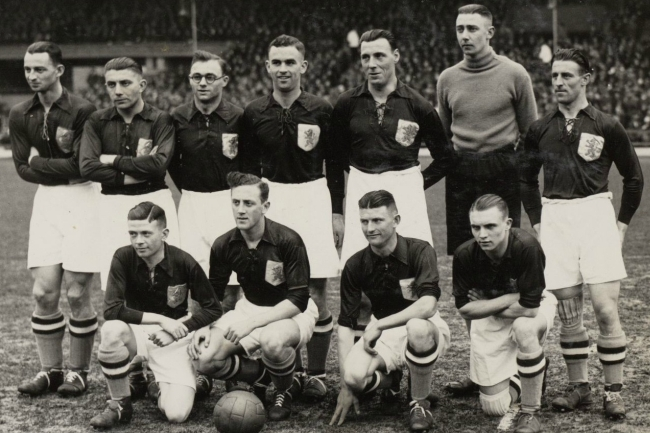 Holland-1934-world-cup-kit.jpg