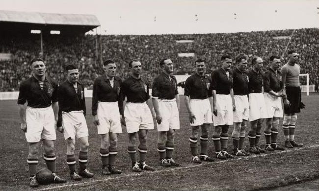 Holland-1938-world-cup-kit.jpg