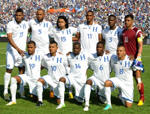 Honduras-12-13-Joma-home-kit-white-white-white-line-up.jpg