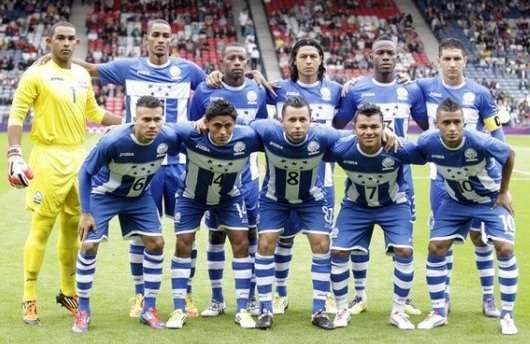 Honduras-12-Joma-olympic-away-kit-stripe-blue-stripe-line-up.jpg