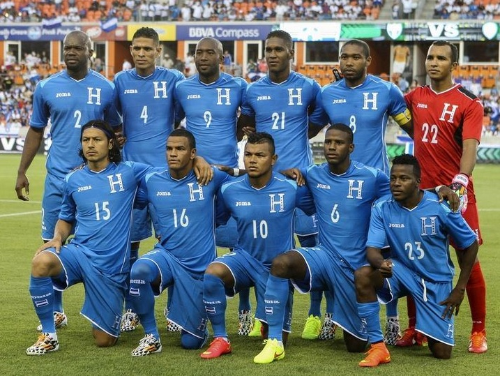 Honduras-14-15-Joma-away-kit-blue-blue-blue-line-up.jpg