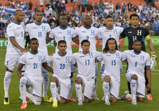 Honduras-14-15-Joma-home-kit-white-white-white-line-up.jpg