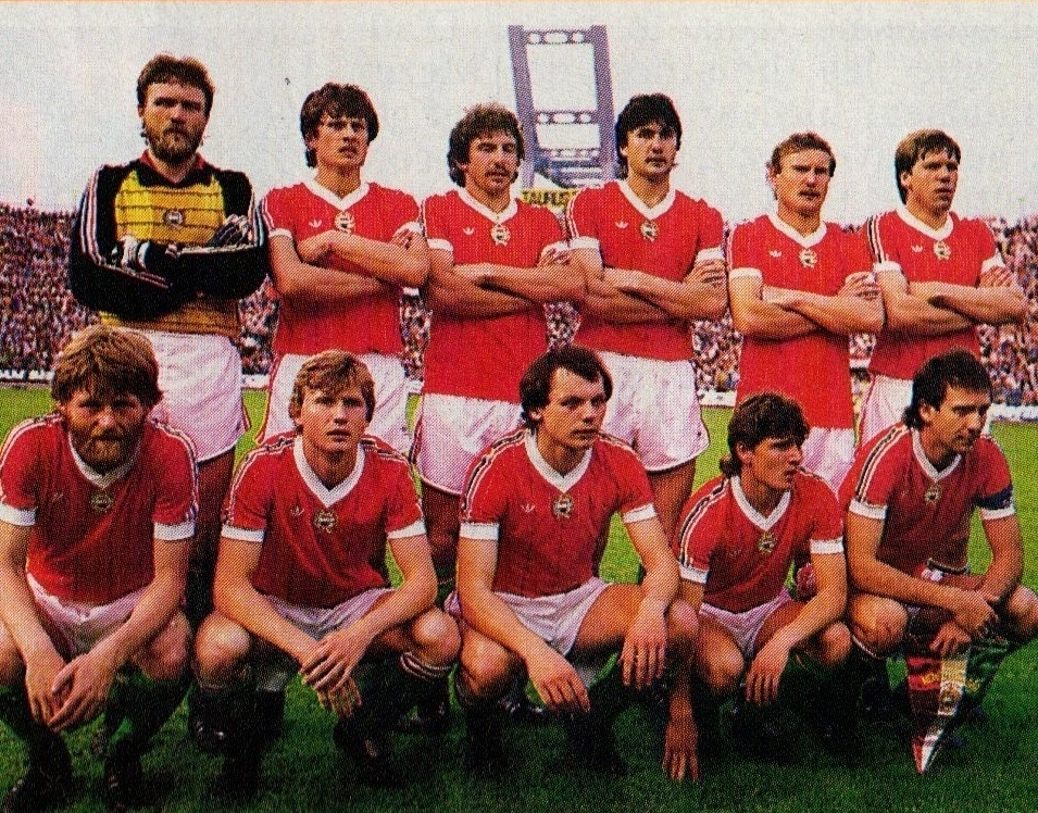 Hungary-1985-adidas-home-kit-red-white-green-line-up.jpg