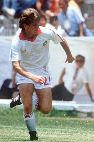 Hungary-1986-adidas-away-kit-white-white-white.jpg