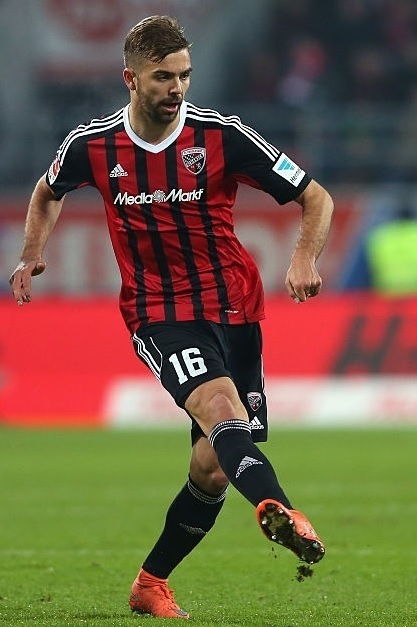 Ingolstadt-2015-16-adidas-home-kit.jpg