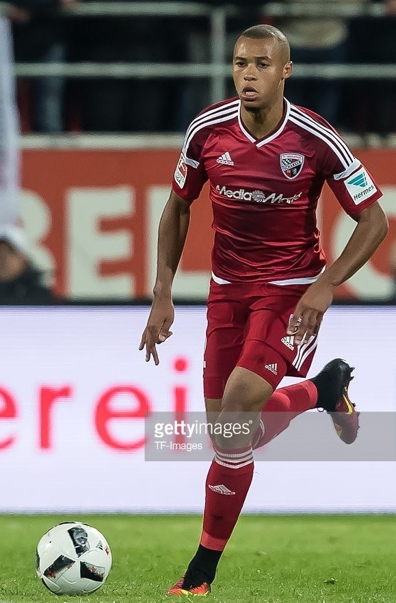 Ingolstadt-2016-17-adidas-home-kit.jpg