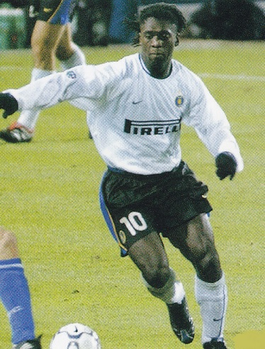 Inter-Milano-01-02-NIKE-second-kit-white-white-white-Clarence-Seedorf.jpg