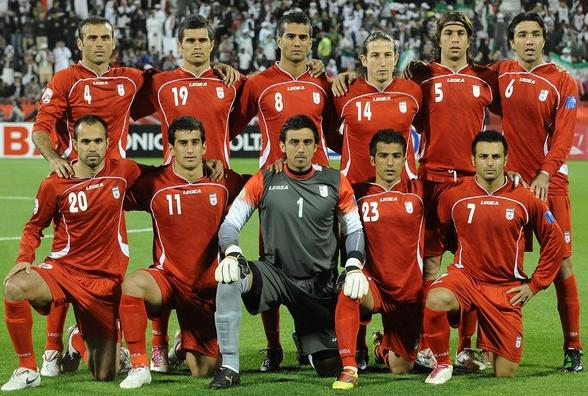 Iran-10-11-LEGEA-away-kit-red-red-red-line up.JPG