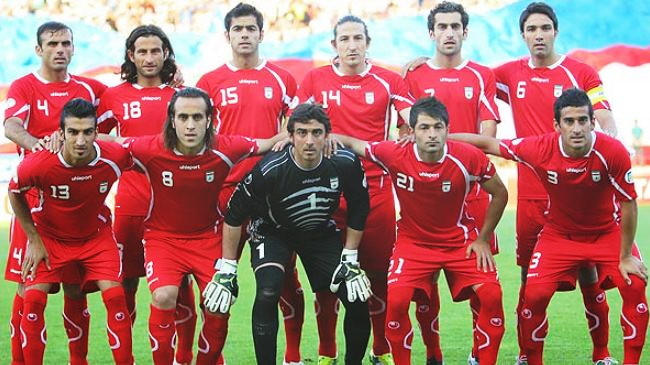 Iran-12-uhlsport-away-kit-red-red-red-line-up.jpg