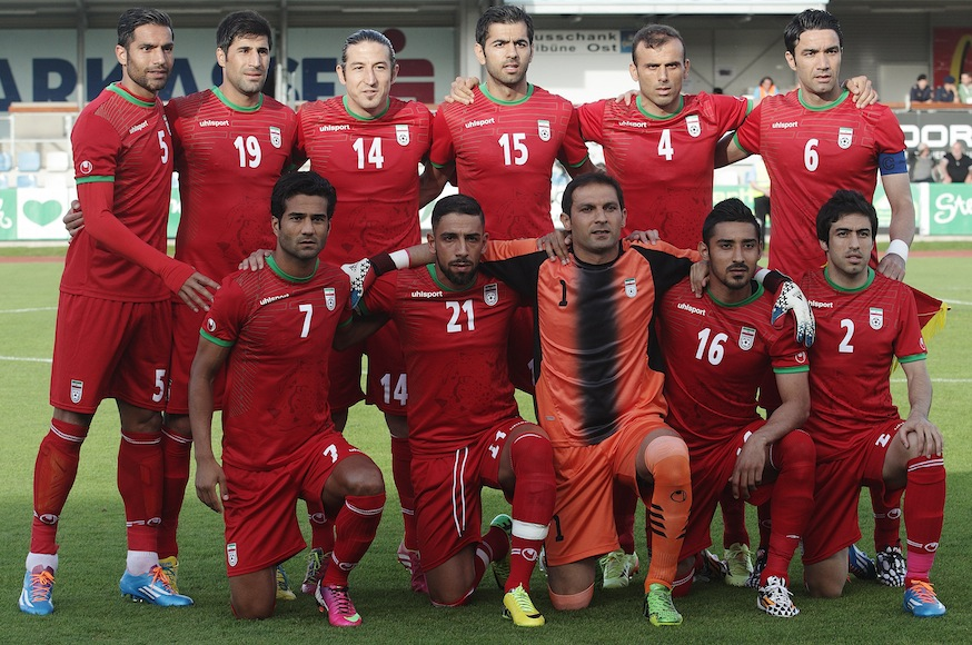 Iran-14-15-uhlsport-away-kit-red-red-red-line-up.jpg