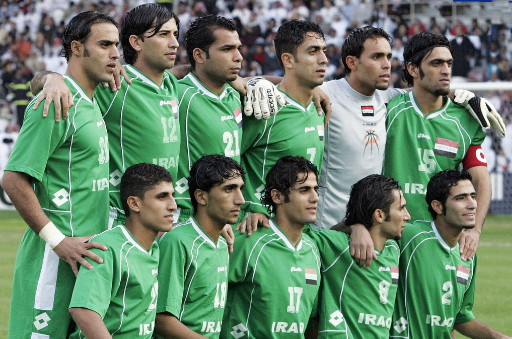 Iraq-06-lotto-away-kit-green-green-green-line-up.jpg