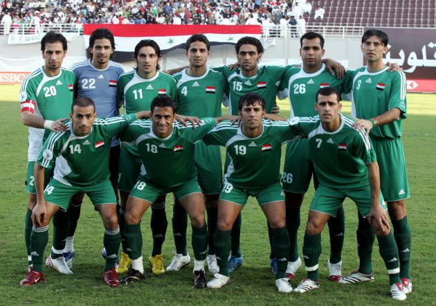 Iraq-07-adidas-away-kit-green-green-green-line-up.jpg