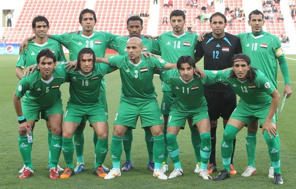 Iraq-11-12-PEAK-away-kit-green-green-green-line-up.jpg