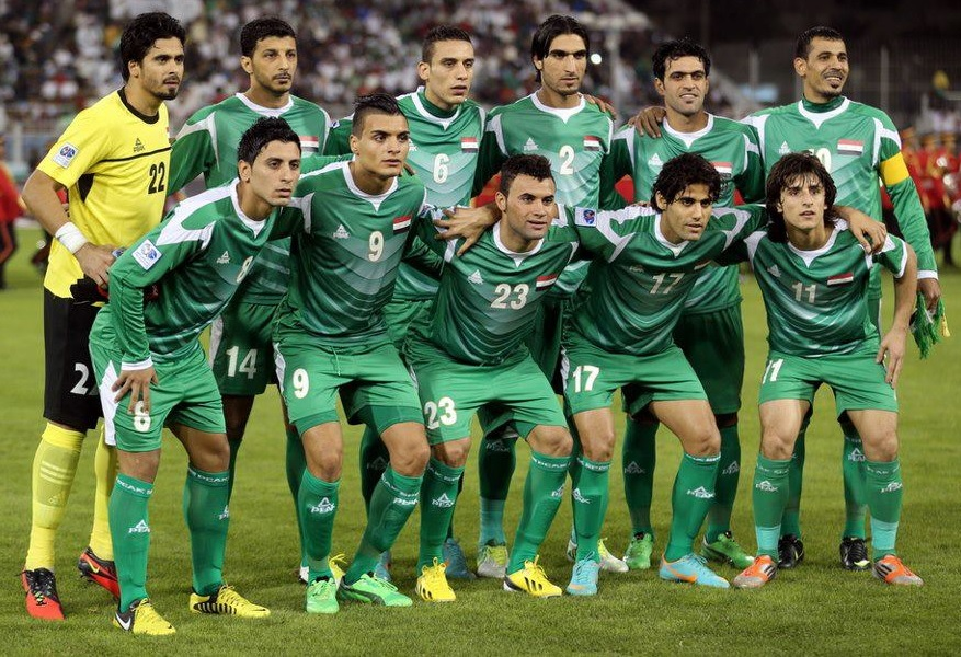 Iraq-12-13-PEAK-away-kit-green-green-green-line-up-2.jpg